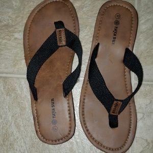 black sandals size 10 raya sun brand